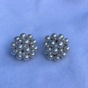 Vintage Japan Pearl Cluster Clip On Earrings   J4
